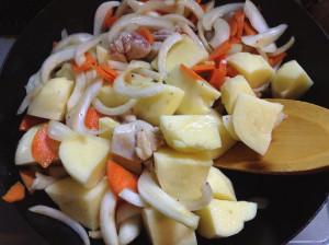 ルーも水も使わない☆ゴロゴロ野菜・クリームシチュー-レシピ1